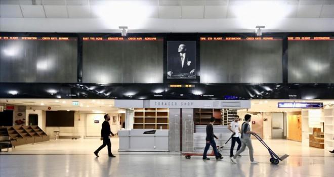 Atatürk Havalimanı'nda uçuş bilgi ekranları kapatıldı