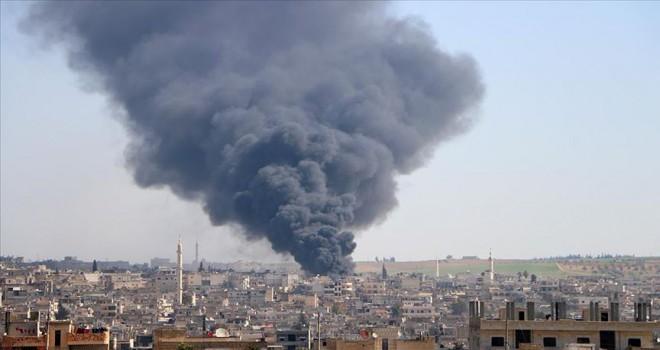 Esed rejimi İdlib'de pazar yerine saldırdı: 10 ölü