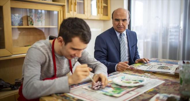 'Otizmli çocuklara yoğun eğitim gerekiyor'