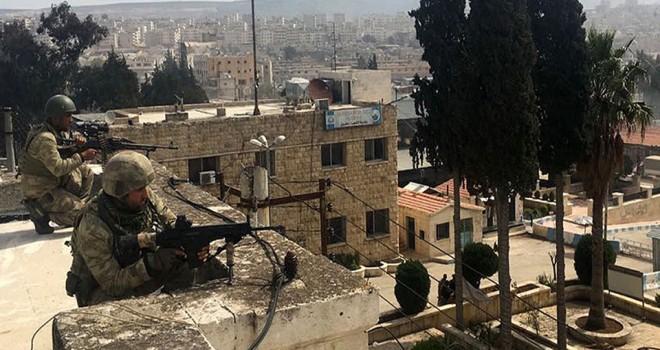Mehmetçik Afrin'e Türk Bayrağını dikti