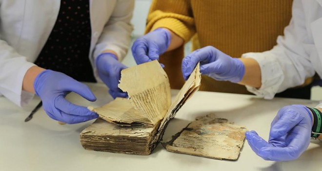 Tarihi eserler kitap restoratörlerinin elinde hayat buluyor