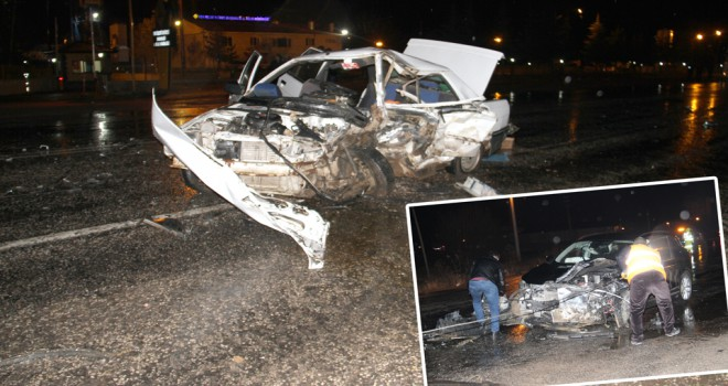 Konya'da otomobil ile cip çarpıştı: 1 ölü, 2 yaralı