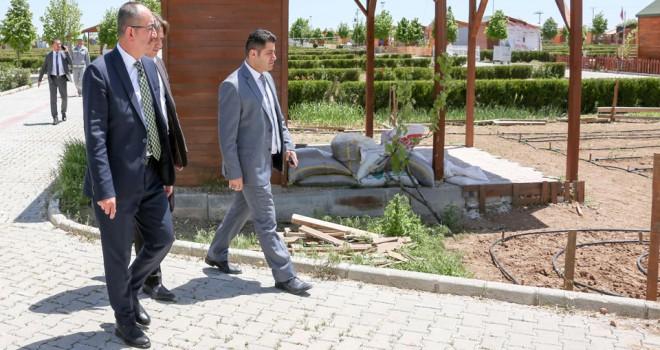 Başkan Kavuşhobi bahçelerinde