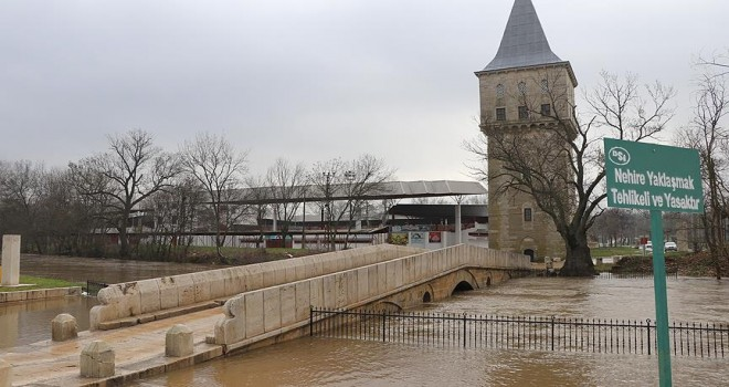 Tunca Nehri'nin debisi yükseldi