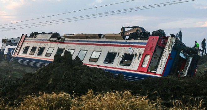 Tekirdağ'daki tren kazasında 24 kişi yaşamını yitirdi