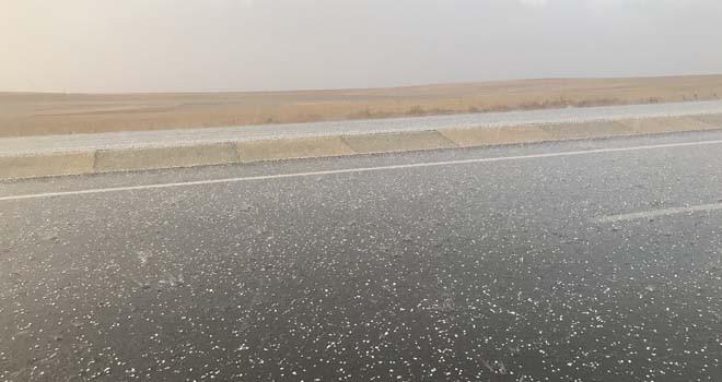 Ilgın'da dolu yağışı etkili oldu