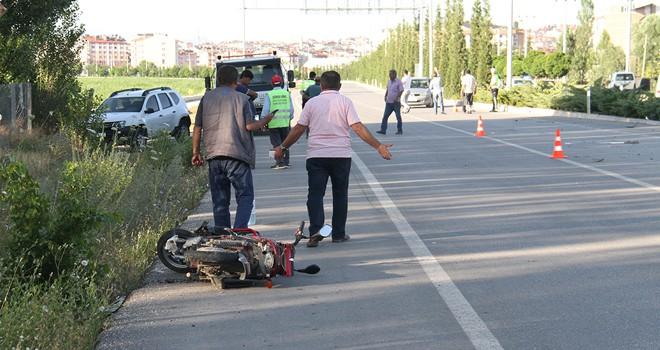 Otomobil elektrikli bisiklete çarptı:1 ölü