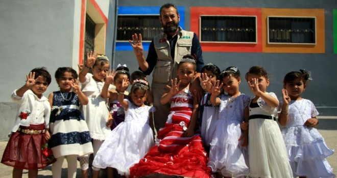 Suriyeli yetimlerden yardım