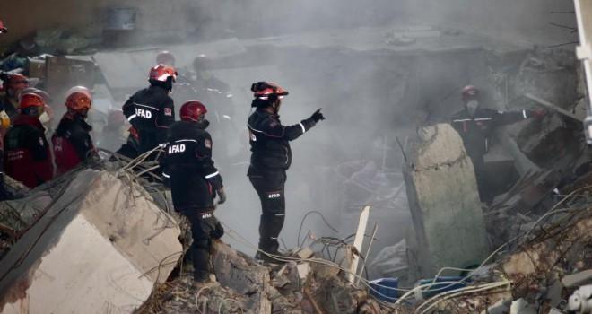Kartal'da çöken binada yaşamını yitirenlerin sayısı 16'ya yükseldi