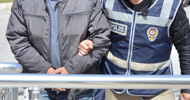 Aranan FETÖ/PDY şüphelileri İzmir'de yakalandı