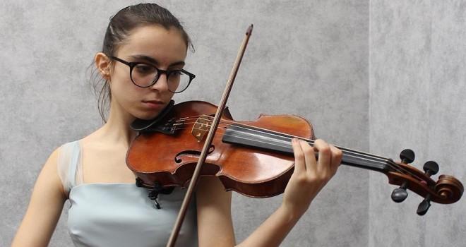 15 yaşındaki ödüllü keman sanatçısı Turan: Büyüyünce, yurt dışında konserler vermek istiyorum