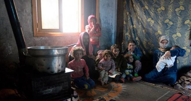 Terörün evsiz bıraktığı Suriyeli aileler kamplara alınacak