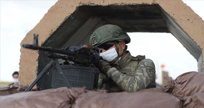 Taciz ateşi açan 3 PKK/YPG'li terörist etkisiz hale getirildi