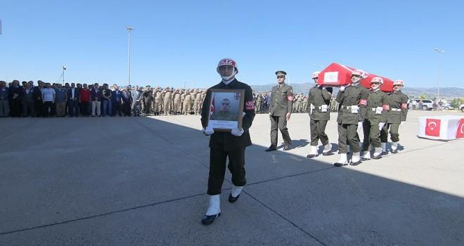 Bingöl'de şehit asker için tören