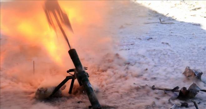 Suriye'de rejimin askeri bölgelerine saldırı