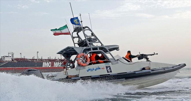 İran Basra Körfezi'nde yabancı bir tankere el koydu