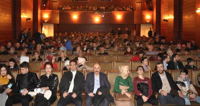 MMO'da tiyatro geleneğini sürüyor
