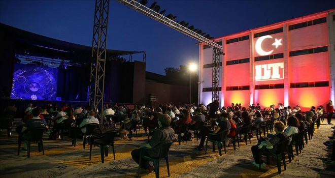 Devlet Tiyatroları açık havada 'perde' dedi