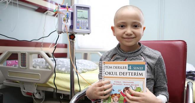 Lösemili çocuklar hastanede eğitim alıyor