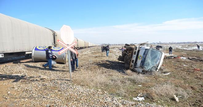 Konya'da yük treni ile kamyonet çarpıştı: 1 ölü