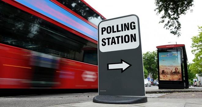 İngiltere'de yerel seçimde iktidar beklenen kaybı yaşamadı