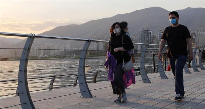 İran'da ölü sayısı 7 bin 734'e yükseldi