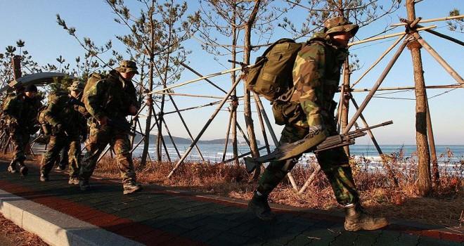 ABD ile Güney Kore ortak askeri tatbikatları durdurdu
