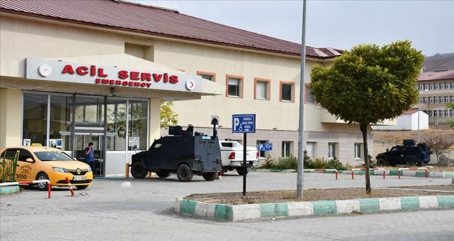 Teröristlerin roketli saldırısında yaralanan asker şehit oldu