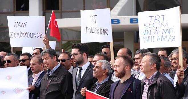 TRT çalışanlarına yönelik saldırılar protesto edildi