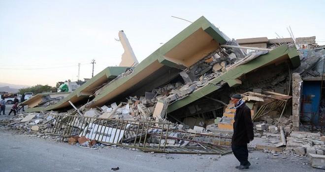 Depremde İran'da hayatını kaybedenlerin sayısı 211'e yükseldi
