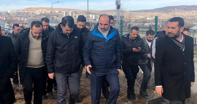 Altay deprem bölgesini ziyaret etti
