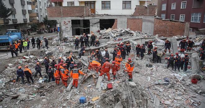 Çöken binaya ilişkin soruşturmada 3 gözaltı
