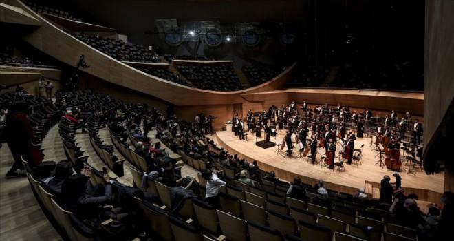 CSO yeni konser salonu ilk kez sanatseverleri ağırladı