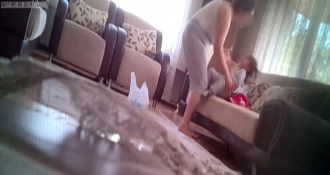 Kızına şiddeti kameraya alan baba velayeti kazandı