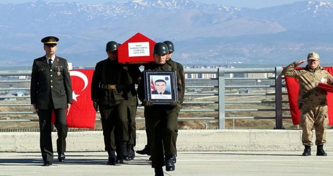 Ağrı'da şehit asker için tören düzenlendi