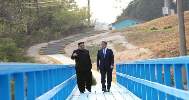 Güney Kore ve Kuzey Kore sınırdaki yolu birleştirdi