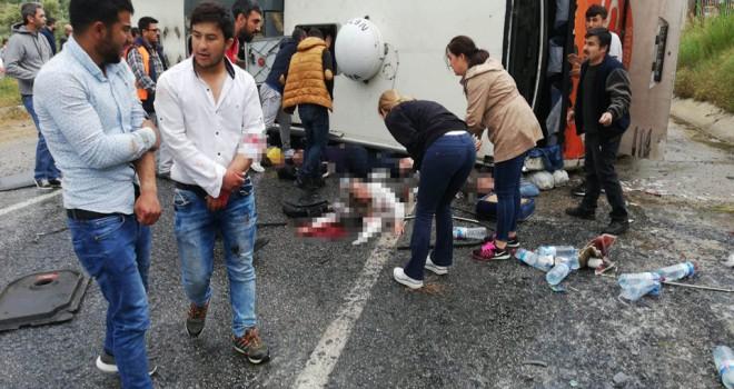 Milas'ta yolcu otobüsü devrildi, ölü ve yaralılar var
