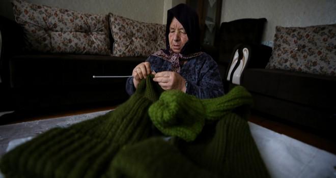 Kore gazisi eşinin maaşını bağışladı
