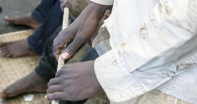 Afrikalı göçmenlerin Libya'da köle olarak satıldığı iddiası