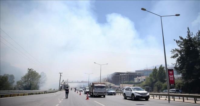 Bursa'daki yangına havadan ve karadan müdahale