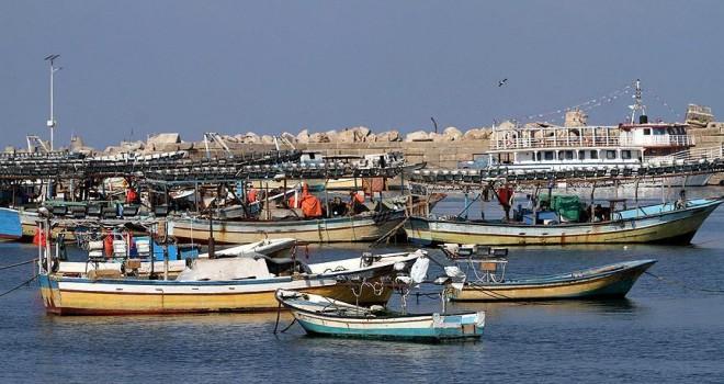 İran, Katar'a ait balıkçı teknelerini durdurdu