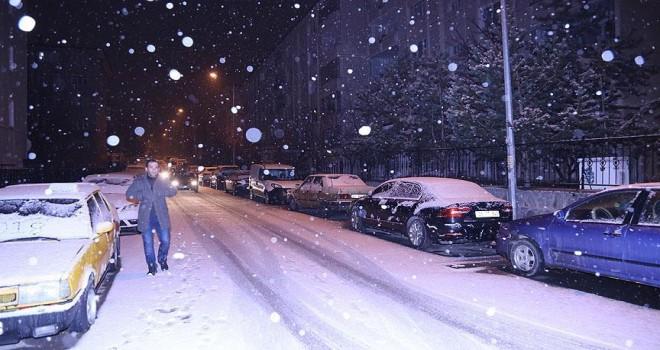 Doğu Anadolu yeni yıla kar yağışıyla girdi