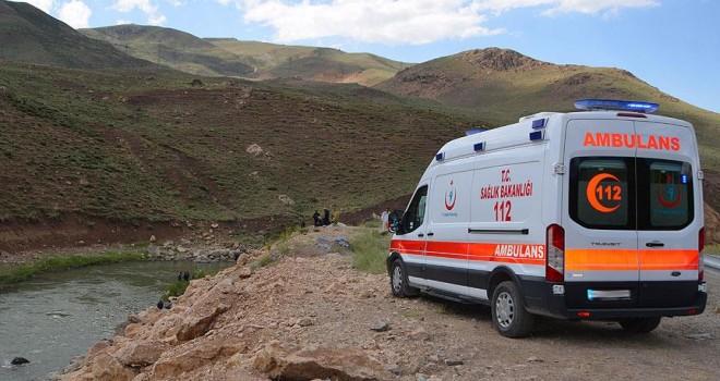 Trabzon'da polis aracı dereye devrildi: 1 şehit