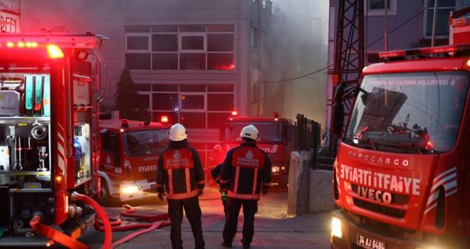 Çorap fabrikasında yangın