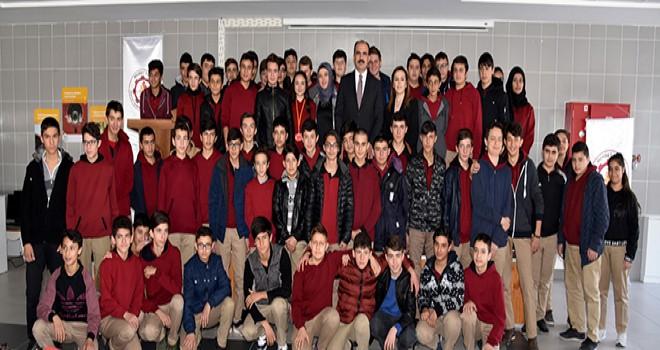 Altay gençlerle buluştu