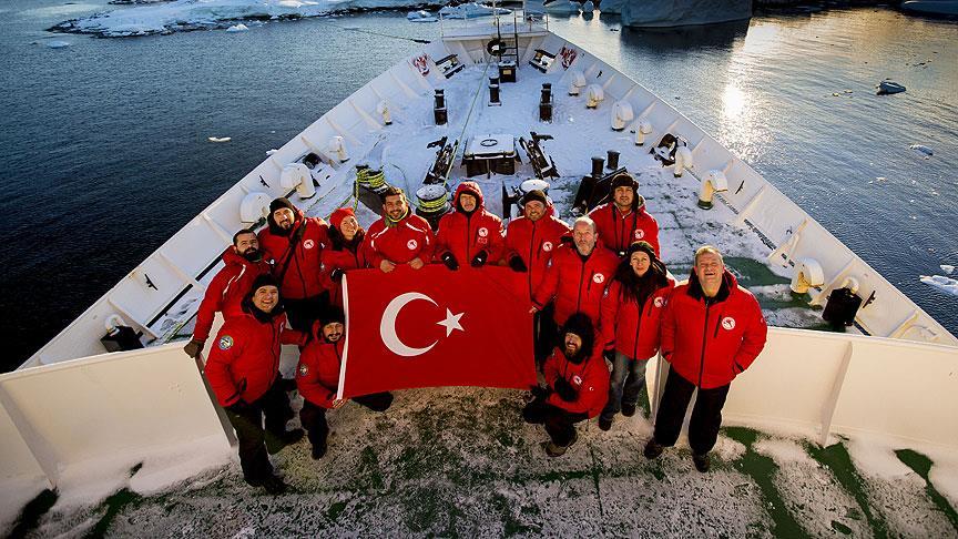 Türk bilim insanları yeniden Antarktika yolcusu