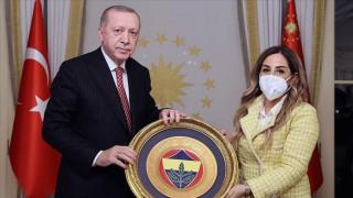 Erdoğan, Türkiye Voleybol Federasyonu yönetici ve oyuncularını kabul etti