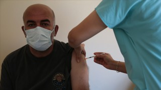 Son 24 saatte 842 bin 570 aşı uygulandı